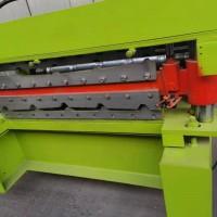 生产各种板型的压瓦机,适用于临时工地,店面,车间的配套设备